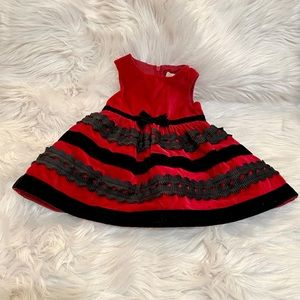 The children's place dress size 6 to 9 months